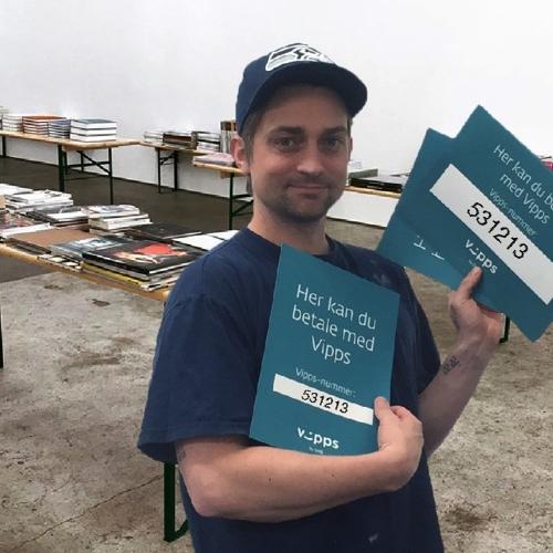 STANDARD (BOOKS)